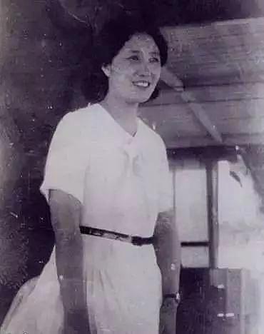 好文170307:从青楼头牌到世纪传奇,97岁的她完美诠释:独立和优雅才是女人一世的体面!
