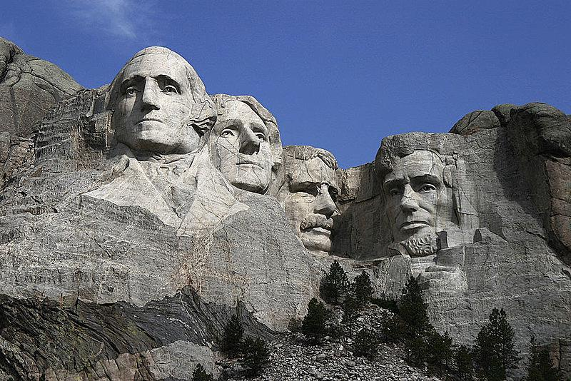 1024px-Dean_Franklin_-_06.04.03_Mount_Rushmore_Monument_(by-sa)-3_new