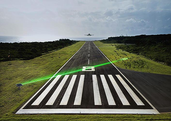 3037905-slide-s-7-keeping-birds-away-from-runways(www.fastcoexist.com)