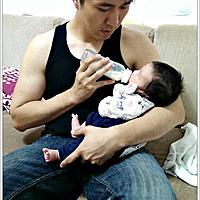 【誰說生了寶寶就一定要餵母奶?!】—沒有餵母奶就是不愛孩子嗎?!