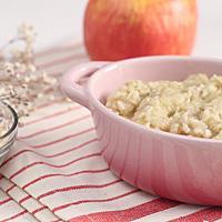 【美味生活】【副食品教學】酸甜綿密好入口~1歲寶寶最愛的蘋果燕麥粥