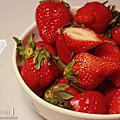 【草莓妹又大又好吃】