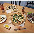 【新竹美食】OYA PIZZA傳統拿坡里式披薩,平價又好吃!老闆隨興,不加化學原料,皮薄好消化。隱身巷弄的手工披薩