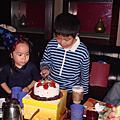 小肉餅媽生日