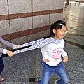 以榭(七歲五個月) 以蒔(五歲三個月)
