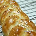 杏仁辮子甜麵包
