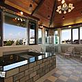頂樓豪華大浴室空間