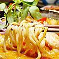 員林南洋風味料理 饗料理 香濃娘惹撈麵免剝蝦 彩色貨櫃屋 IG熱點