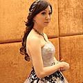 灰系澎裙 典雅公主系捲髮寶石堆疊頭飾