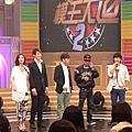 2013台灣大胃王小霖尊--超級模王大道吃熱狗囉!