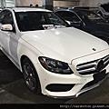 2015 C300 AMG #54067 155萬 白色 2015/02 3.7萬英里 AMG套件,跟車系統,自動停車,電動尾門,腳踢感應尾門,倒車雷達,車道偏移,盲點,keyless-go