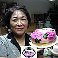 學生楊麗霞 -製作母親節蛋糕