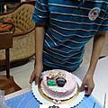 學生林承禾(國小六)-人型蛋糕裝飾證書課程,他超愛做蛋糕有關的技巧,