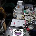 糖花藝術冠軍廖家瑜很專心準備日本的比賽及蛋糕協會的講習會,每天都逗留在工作室很晚