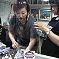 蘿漾團隊VIP培訓團體課程-紫藤花面紙盒課程含材料成本計算,1個設計可以變化成2個版本,及如何避免繁複手法的設計