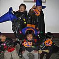 """2010  媽媽們控制不了場面的""""萬聖節活動"""""""