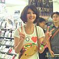 【2011-09-10】郭靜【陪著我的時候想著她】專輯簽名會(中壢玫瑰)