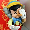 小木偶KAWS Pinocchio & Jiminy Cricket