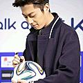 DECKE足球簽書
