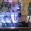 """2015/5/1 泰豪貴之 """" 掰掰, W Hotel """" 改往 BKK 民宿 & BKK 旁 TESCO & Central Plaza 補充 """" 等路 """" & 再訪 Terminal 21 買小老闆海苔 ~~"""