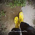 下雨天。雨鞋。