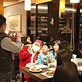 1001225主題玩偶與聖誕老人跟遊客同樂