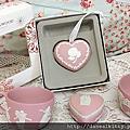收藏~WEDGWOOD粉紅浮雕~草莓季
