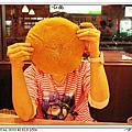 2011_02_10 台中FEED ME美式餐廳之巨無霸漢堡