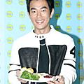 2004/12/22 任賢齊HIT FM展廚藝