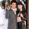 2004/12/28 「誰與爭鋒」首映,任賢齊扮台版007