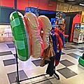 【三重】E7play三重館 恐龍出沒注意!夜光保齡球派對 一票玩到底(電動、撞球、飛鏢、漫畫、KTV...)想怎麼玩就怎麼玩