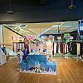 WIWI迪士尼系列三麗鷗聯名款快閃店.發熱衣2件990起.涼感衣2件1290起.還有多樣商品優惠喔!快來選購八︱永和比漾廣場快閃店︱美食王國