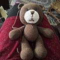 為孫兒縫小熊