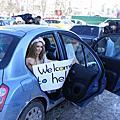 """女權團體赤裸上身街頭抗議 """"烏克蘭不是妓院!"""""""