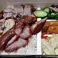 九隆港式燒臘~錦州街燒臘店~記得提醒老闆幫你加油蔥