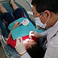 轩轩第一次看牙医