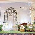 *~花居樂花坊~*1061231八德 海王城餐廳 Lon&Kari 花園風主題背板設計 婚禮佈置