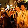 20111214幫慰安婦阿嬤點蠟燭
