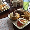 【食】新竹★WOW瓦屋餐廚★排餐、義大利麵、漢堡、啤酒。飲料無限暢飲。近巨城購物中心★201703