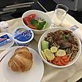 【分享】搭機經驗★華航商務艙體驗分享。商務艙餐點★里程數換貴賓室體驗★201706