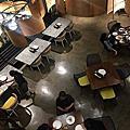 【食】印尼雅加達★Kayu Kayu Restaurant。特色炒飯。印尼慢煎餅★印尼傳統料理。空間寬敞適合聚會。有設計感。好拍照★201807
