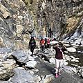 霧台神山瀑布、哈尤溪七彩岩壁