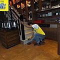 餐廳-1~2樓用餐用&吧檯.樓梯-仿古磁磚.拋光石英磚地面防滑止滑施工