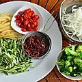 有耶誕風的蔬果沙拉~秋菊阿嬤家常料理分享