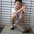 2010小廷展示阿嫲的手工包