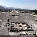 墨西哥城吃辣椒爬金字塔