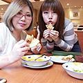 2017年03月03日薩利亞吃東西