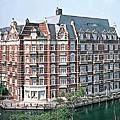 豪斯登堡飯店
