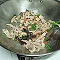 20200201雞骨酸菜湯清炒花椰菜跟土豆絲炒肉絲