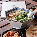 東京餃子|宜蘭五結辛擔麵|秘傳胡麻湯底濃郁香醇,深受台灣人及日本人喜愛的混血拉麵